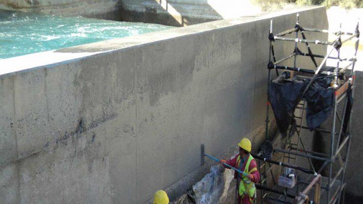 ترمیم دیواره مخزن آب با ملات ترمیمی